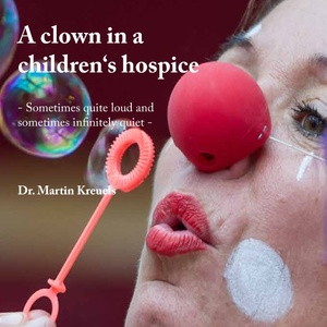 A clown in a children's hospice | Dodax.de